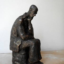 Bronze statue of Thoughtful Man by Nikola Litchkov