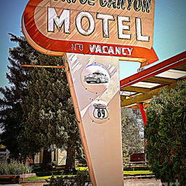 Bryce Canyon Motel by Tru Waters