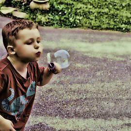 Lesa Fine - Bubble Liscious