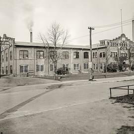 LeeAnn McLaneGoetz McLaneGoetzStudioLLCcom - Buick Motor Company 1918
