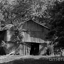 BW rustic barn London  Kentucky by Charlene Cox