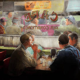 Mike Savad - Cafe - Cold drinks with friends 1941