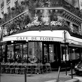 Cafe de Flore. by Cyril Jayant