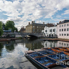 Cambridge Mill Lane Punting - Mike Reid