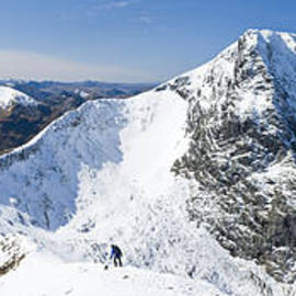 Carn Mor Dearg arete, Ben Nevis, Scotland. by Justin Foulkes