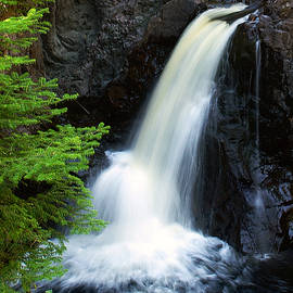 Cascade Falls by Bill Morgenstern