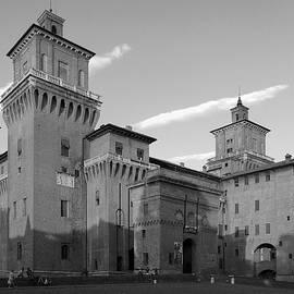 Marina Usmanskaya - Italy. Castello Estense monochrom