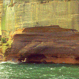 Caves At Pictured Rocks by Jeff Kurtz