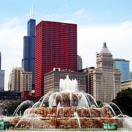 Central Chicago, Illinois, on a sunny summer day by Derrick Neill