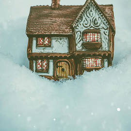 Amanda Elwell - Ceramic Cottage In Snow