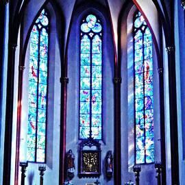 Sarah Loft - Chagall Windows in St Stephen