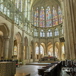 Lumiere De Liesse Ltd Images of Robert L Lease - Chartres Eglise St. Pierre