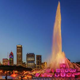 Scott Campbell - #ChicagoCares - Buckingham Fountain Rainbows