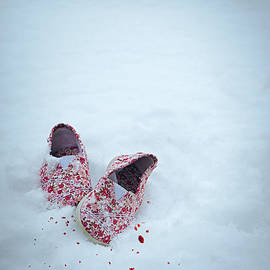 Amanda Elwell - Childs Shoes In Snow