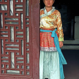 Sally Weigand - Chinese Woman by Door