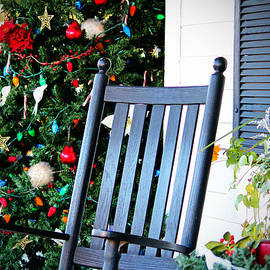 Cynthia Guinn - Christmas On The Porch