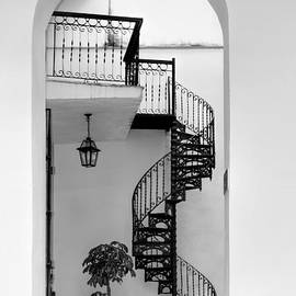 Circular staircase in black and white by Les Palenik