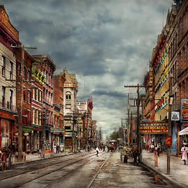 Mike Savad - City - Poughkeepsie NY - The ever changing market place 1906