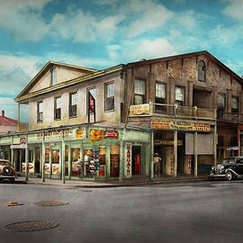 Mike Savad - City - Victoria TX - The old Rupley Hotel 1931