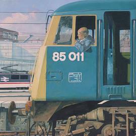 class 85 electric locomotive at euston station