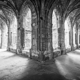 Peter Handy - Cloisters in the Cathedrale Saint-Just-et-Saint-Pasteur de Narbonne