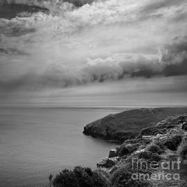 Close to the Edge by Paul Davenport
