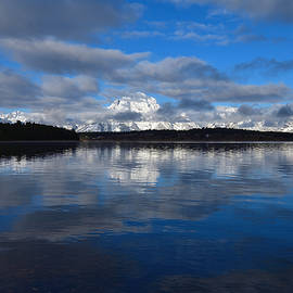 Michael Morse - Cloudy Morning Along The Lake