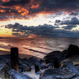 Mike Deutsch - Cloudy Sunrise In Rockaway Beach