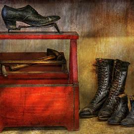 Mike Savad - Cobbler - Life of the cobbler