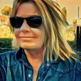 Colette V Hera Guggenheim - Colette September 2016