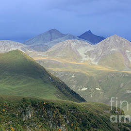 Arik Baltinester - Colored peaks of the Caucasus