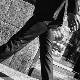 Commuter #man #fashion #suit #walk