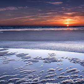 Atlantic sunset by Hernan Bua