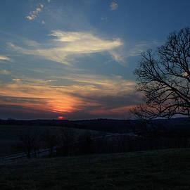 Tyler Schlitt - Country side sunset
