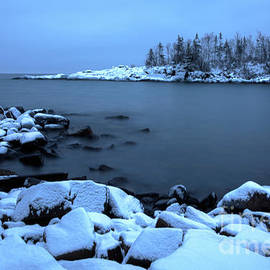 Wayne Moran - Cove Point Lodge Lake Superior Minnesota