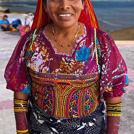 Craft vendor in Panama City, Panama by Tatiana Travelways