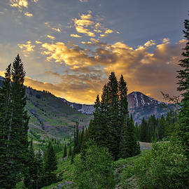 Crested Butte Sunset by Lorraine Baum
