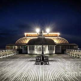 Simon Bratt Photography LRPS - Cromer pier pavilion at night