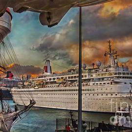 Cruise Port by Hanny Heim