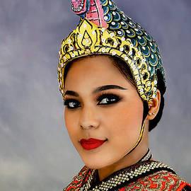Ian Gledhill - Cultural Siam Dancer Portrait