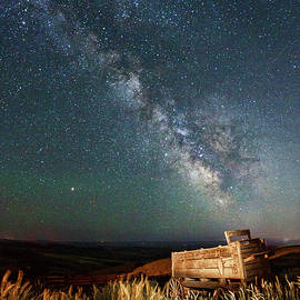 Dalles Mountain Wagon and Milkway by Wes and Dotty Weber