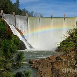 Dam Rainbow by Patrick Witz