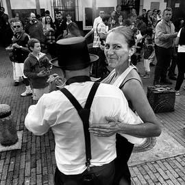 Daniel Gomez - Dancing in the Street