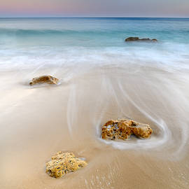 Dancing waves by Guido Montanes Castillo
