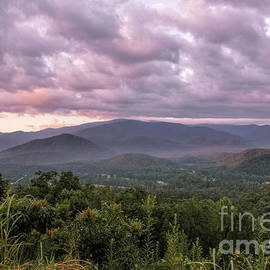 Dawn On The Foothills Parkway by Jemmy Archer