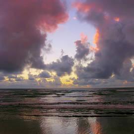 Stephen  Vecchiotti - Dawn Reflections - Kauai