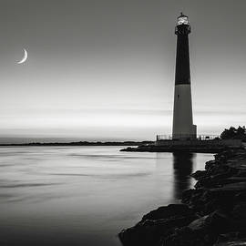Eduard Moldoveanu - Daybreak at Barnegat, black and white
