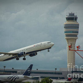Reid Callaway - Delta Airlines Airplane N835DN Hartsfield Jackson International Airport Art