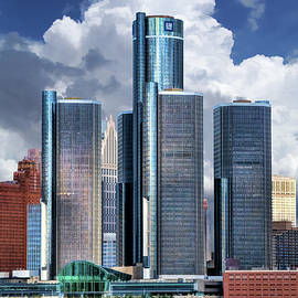 Detroit Renaissance Center by Christopher Arndt