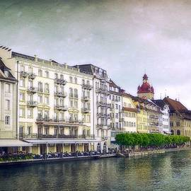 Toni Abdnour - Dining on Lake Lucerne
